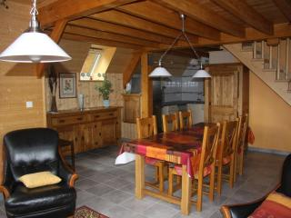 Cozy 2 bedroom Besse-et-Saint-Anastaise Chalet with Satellite Or Cable TV - Besse-et-Saint-Anastaise vacation rentals