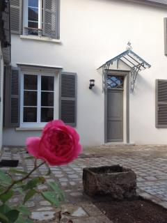 Nice Condo with Internet Access and Dishwasher - Chartres vacation rentals