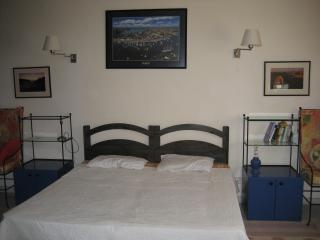 Arven cosy flatlet close to St Julians,Sliema area - San Gwann vacation rentals
