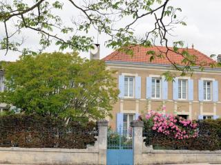 Bright 5 bedroom Saintes Bed and Breakfast with Internet Access - Saintes vacation rentals