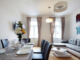 120m² Spacious and Stylish Apartment for 6-8 III - Vienna vacation rentals