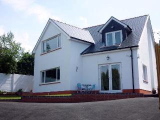 3 bedroom House with Internet Access in Aberporth - Aberporth vacation rentals