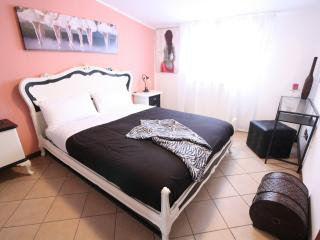 Cozy 2 bedroom Bed and Breakfast in Cantù - Cantù vacation rentals
