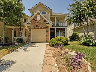 3BR/2.5BA House, Fabulous Deck, Close to Zilker, Barton Springs, and Downtown - Austin vacation rentals