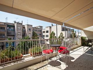 Cosy, family apt, roof top views - Athens vacation rentals
