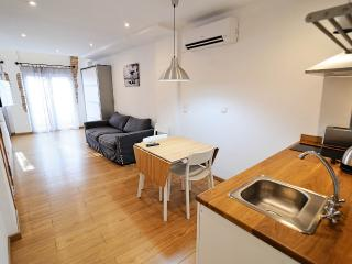 Apartment with terrace next to the beach - Valencia vacation rentals