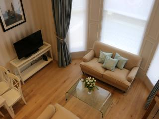 1 Bed Mezzanine Newly Furbished Flat - London vacation rentals