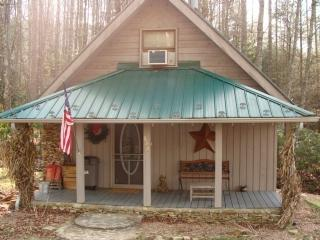 Romantic 1 bedroom Cabin in Fleetwood - Fleetwood vacation rentals