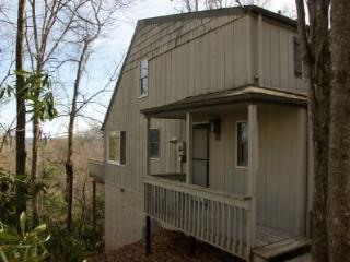 Bright 2 bedroom Fleetwood Condo with Deck - Fleetwood vacation rentals
