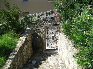 Nice House with Internet Access and Outdoor Dining Area - San Pietro in Cariano vacation rentals