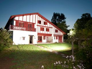 Malaxenborda XVIIIth c.basque farm near Biarritz - Urrugne vacation rentals