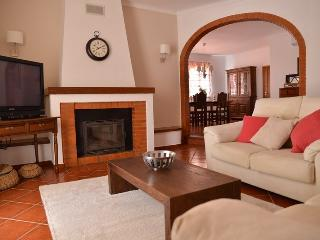 Comfortable Cottage with Internet Access and A/C - Moura vacation rentals