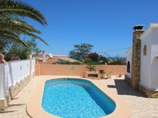 Cozy Villa with Washing Machine and Balcony - Denia vacation rentals