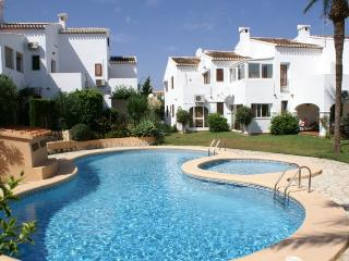 Comfortable Condo with Shared Outdoor Pool and Television - Denia vacation rentals