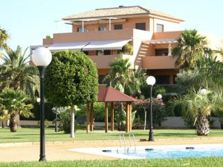 Charming Apartment with Shared Outdoor Pool and Television - Denia vacation rentals