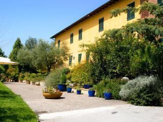 Casa Luciana, Sleeps 6 - Capannori vacation rentals