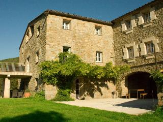 Charming Villa with Wireless Internet and DVD Player - Besalu vacation rentals