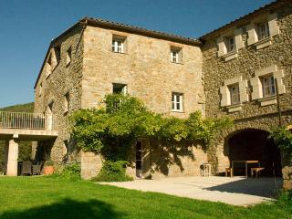 Charming 12 bedroom Villa in Besalu with Wireless Internet - Besalu vacation rentals