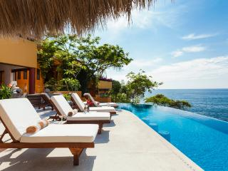 Spacious 8 bedroom Mismaloya Villa with Internet Access - Mismaloya vacation rentals