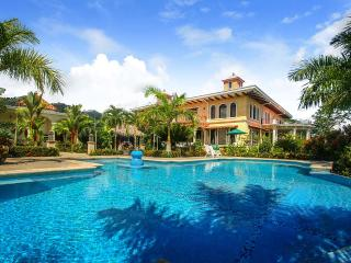 Bright 6 bedroom Villa in Dominical with Internet Access - Dominical vacation rentals