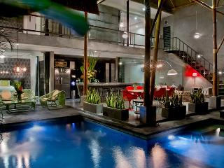 Esha Villa By Bali Villa Rus -EAT STREET IN CENTAL SEMINYAK & CLOSE TO THE BEACH - Seminyak vacation rentals