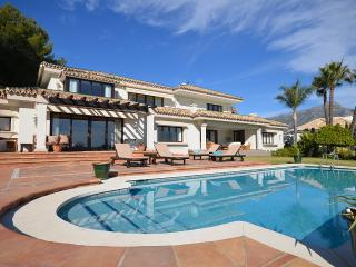 Perfect Villa with A/C and Wireless Internet - Nueva Andalucia vacation rentals