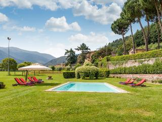 Bright Villa with Internet Access and DVD Player - Capannori vacation rentals
