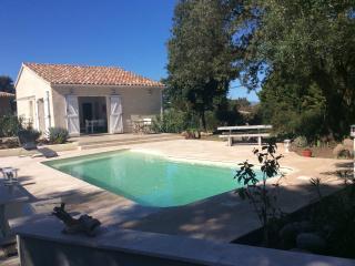 Villa indépendante, piscine chauffée mer montagne - Ghisonaccia vacation rentals