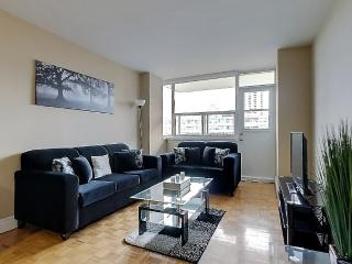 2 bdrm FURNISHED suite PRIME location WOW! 1119 - Toronto vacation rentals