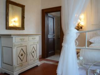 Bright 4 bedroom Penthouse in Fiano Romano with Internet Access - Fiano Romano vacation rentals