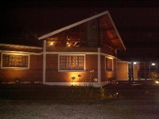 Gorgeous Sao Bento do Sapucai vacation Cottage with Deck - Sao Bento do Sapucai vacation rentals