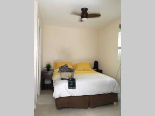 The Blue House, private studio - Fort Lauderdale vacation rentals