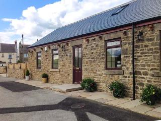 GROVE COTTAGE, woodburner, WiFi, pretty countryside and farmland, character cottage, Butterknowle, Ref. 920252 - Ramshaw vacation rentals