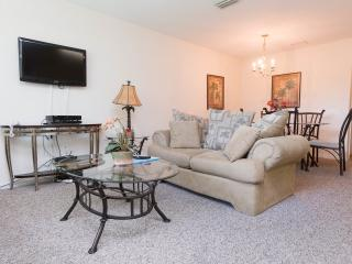 Awesome 4 Bedroom Gated Condo with only minutes to the Disney area - Kissimmee vacation rentals