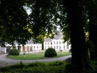 Cottage set in a Castle Garden, - Hesdin vacation rentals