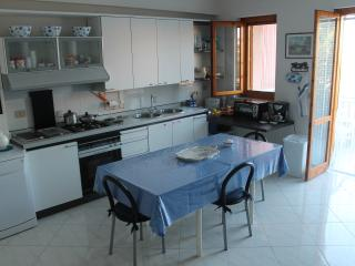 Nice 2 bedroom Fondachello Townhouse with A/C - Fondachello vacation rentals