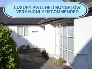 Bryn Llywelyn Bungalow at Pwllheli - Pwllheli vacation rentals