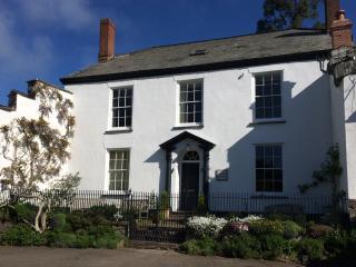 Beautiful 8 bedroom North Molton House with Internet Access - North Molton vacation rentals