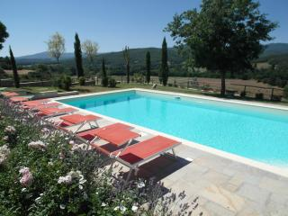 Perfect Farmhouse Barn with Internet Access and Outdoor Dining Area - Anghiari vacation rentals