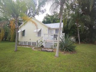 Nice House with Deck and A/C - Fort Myers Beach vacation rentals