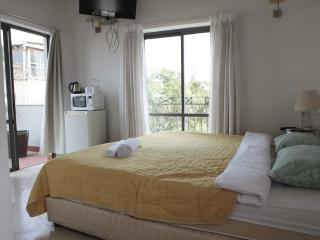 BHouse-superior double room with terrace - Tel Aviv vacation rentals