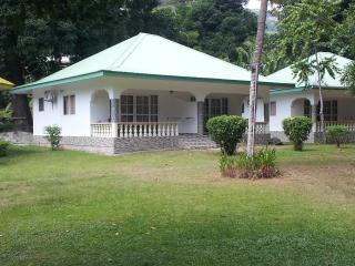 10 bedroom Guest house with A/C in La Passe - La Passe vacation rentals