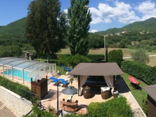 Trilocale in VILLA con PISCINA max 4 pax - Montaquila vacation rentals