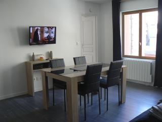 Romantic 1 bedroom Apartment in Dieppe with Internet Access - Dieppe vacation rentals
