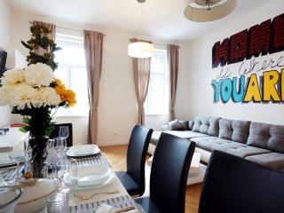 120m² Spacious and Stylish Apartment for 6-8 I - Vienna vacation rentals