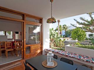 Rilassante e Colorato Appartamento - Costa Teguise vacation rentals