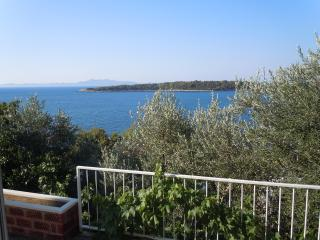 Entire house by the sea for 6 persons - Prizba vacation rentals