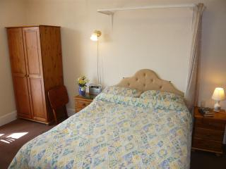 Holly - Lets Self Catering Holiday Apart' 4 - Paignton vacation rentals