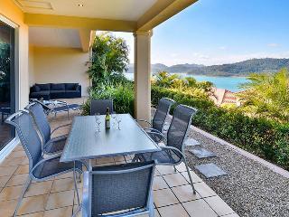 Perfect 3 bedroom Apartment in Hamilton Island with A/C - Hamilton Island vacation rentals