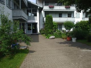 Nice Condo with Garden and Short Breaks Allowed - Oberaudorf vacation rentals
